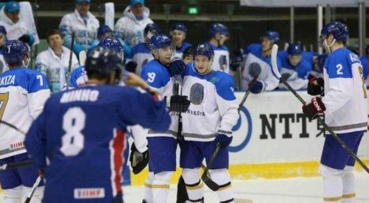 Около 200 болельщиков встретили российских хоккеистов в аэропорту Сеула