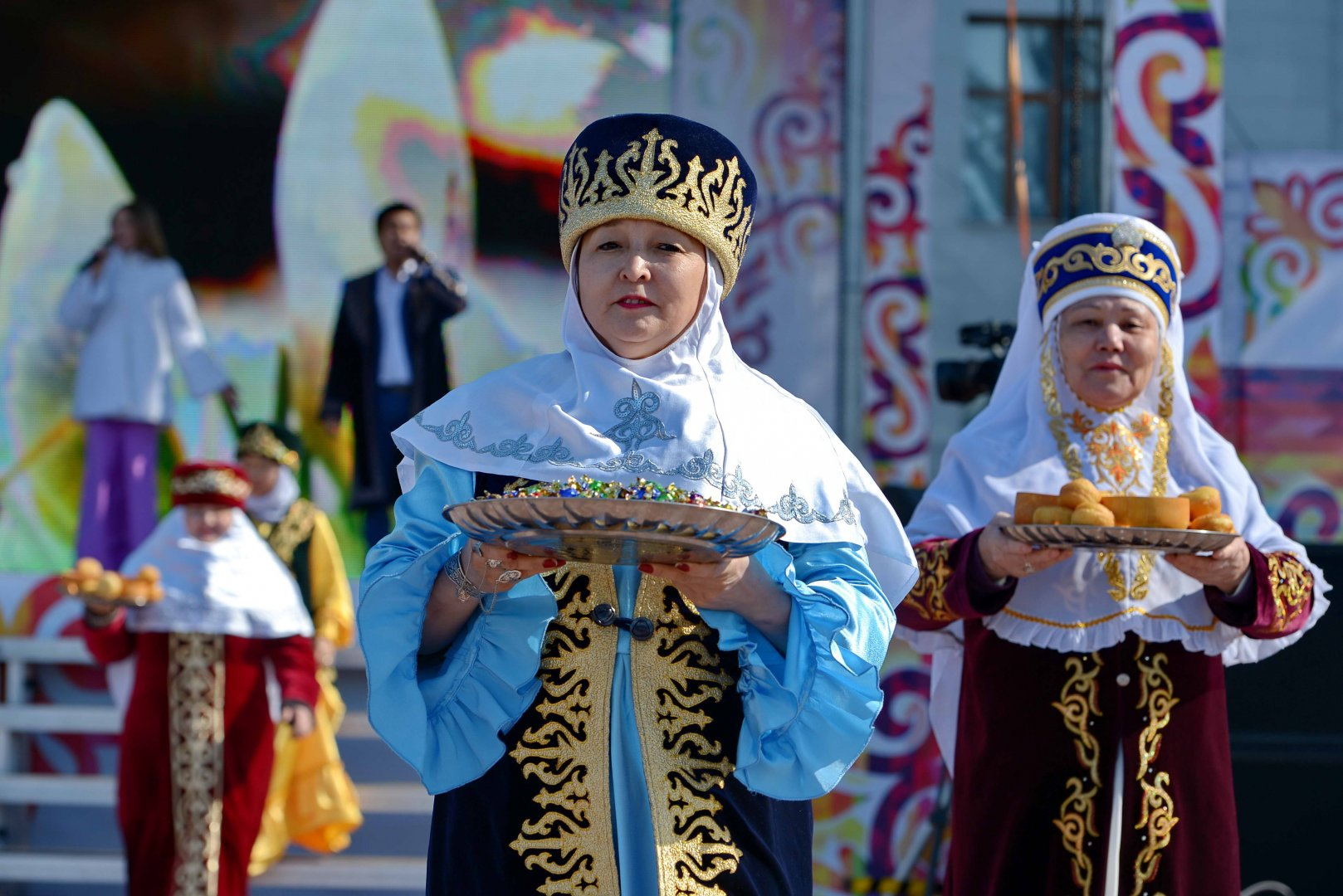 the kazakh celebration of nauryz Nauryz (nauruz) is a traditional celebration of kazakh people, celebrated from ancient times this holiday is similar to the mongolian tsagaan sar celebration in many.