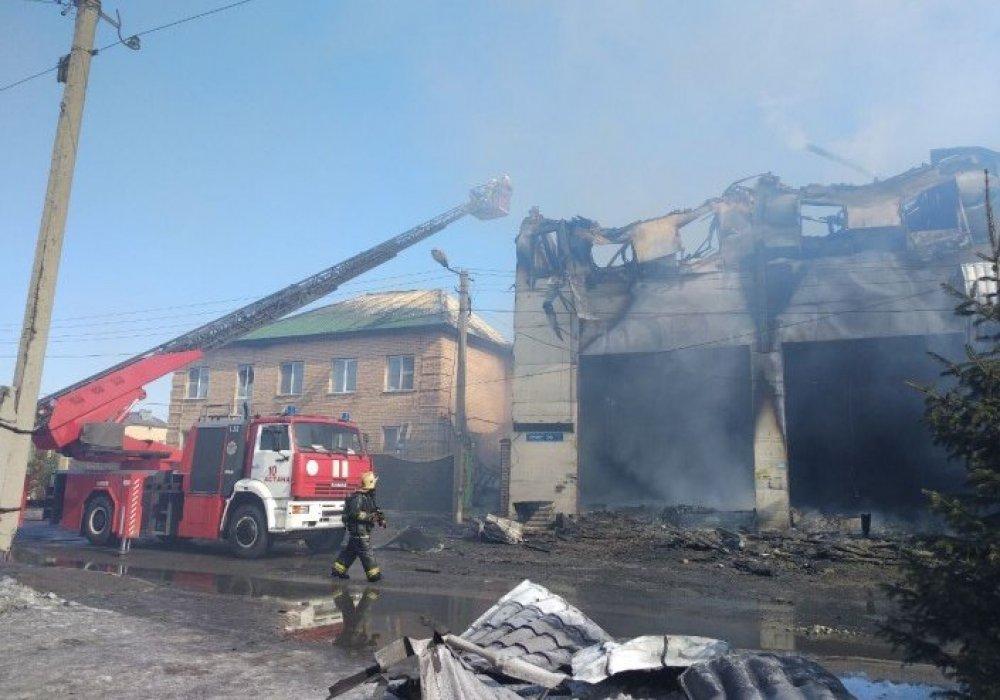 Пожар в Астане: Найдены тела женщины и ребенка