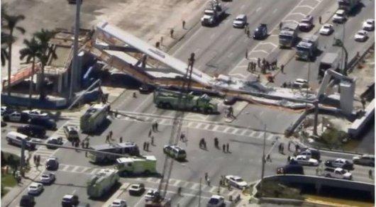 ВМайами обвалился пешеходный мост, есть жертвы ираненые