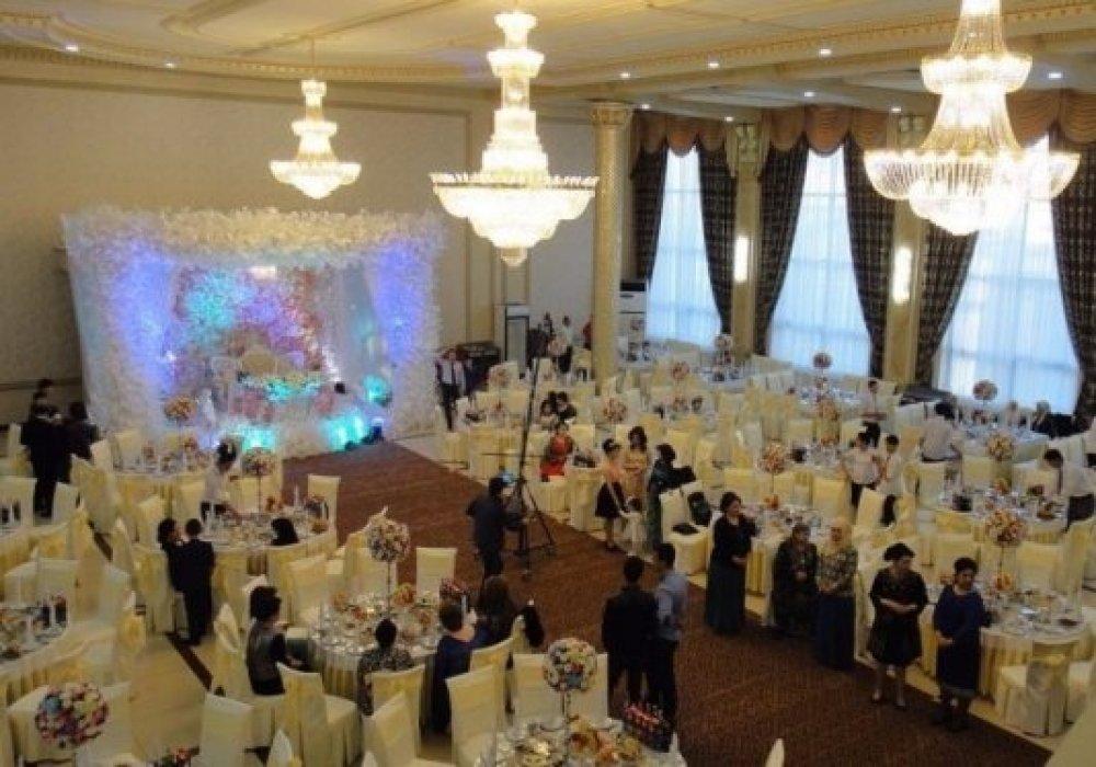 Узбекистан всенародно обсуждает новые правила проведения свадеб
