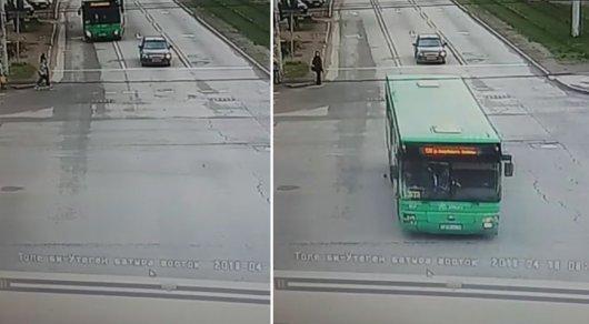 Рейсовый автобус насмерть сбил пешехода вАлма-Ате