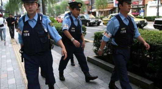 Сотни японских правоохранителей ищут вежливого вора, сбежавшего изтюрьмы