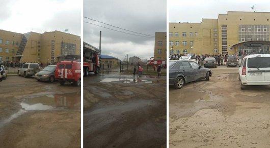 Пожар вшколе вАстане: эвакуировано около 2000 человек