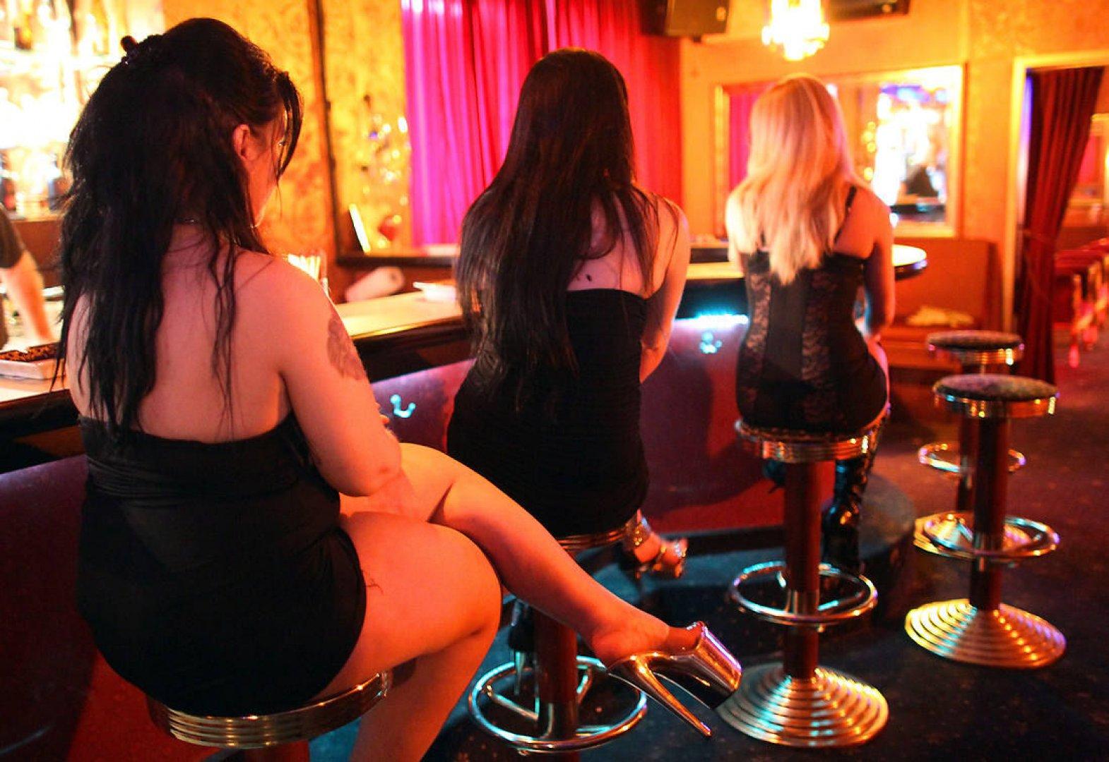 Шлюхи на ночь дешево, Дешевые проститутки Москвы - снять блядь, путану 31 фотография