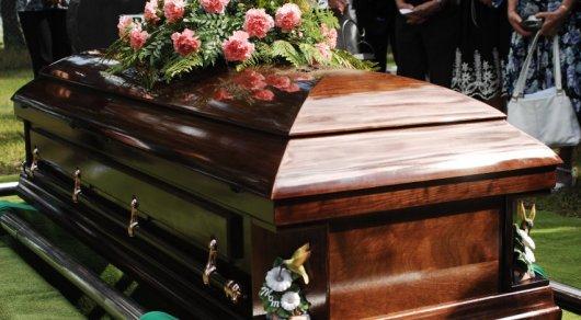 «Мертвец» случайно зашел насобственные похороны