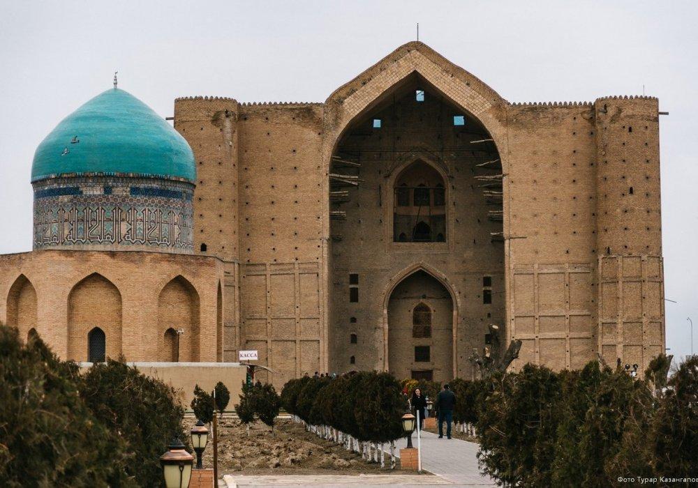 Назарбаев: Туркестан - это особая тема