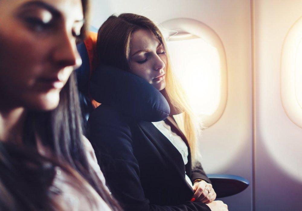нельзя делать фото в самолете многих ровесников, его