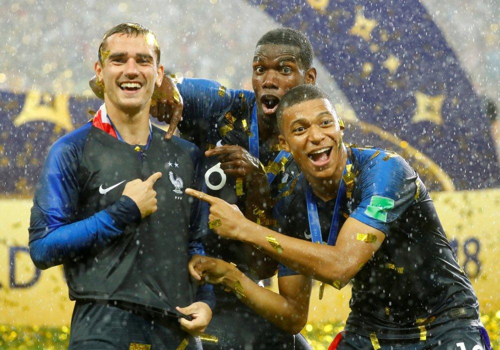 За францию играют одни негры