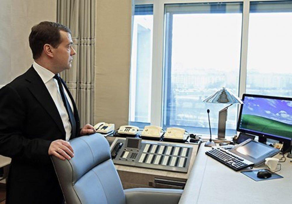 территория множеством фото чиновников россии за рабочим столом свежих