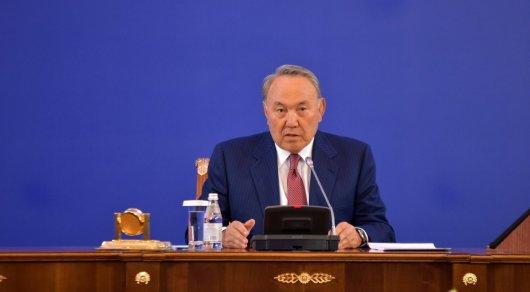 Казахстанские депутаты вернулись с каникул