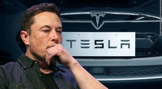 Электрический двигатель дал сбой: На основоположника Tesla Илона Маска подали всуд