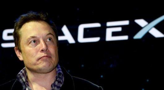 Компания SpaceX решила распрощаться ссотнями служащих