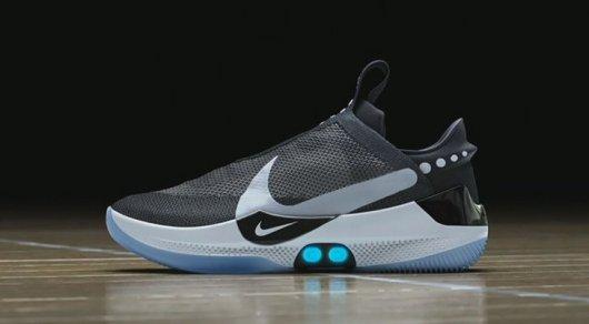 54975306 Nike создала первую массовую версию кроссовок с автошнуровкой, как в ...