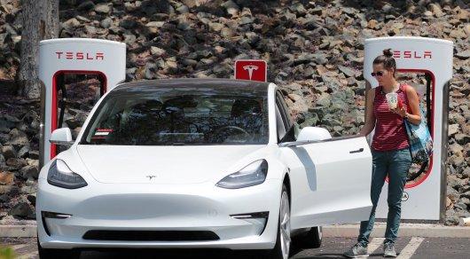 Tesla отчиталась об убытках в $1 млрд