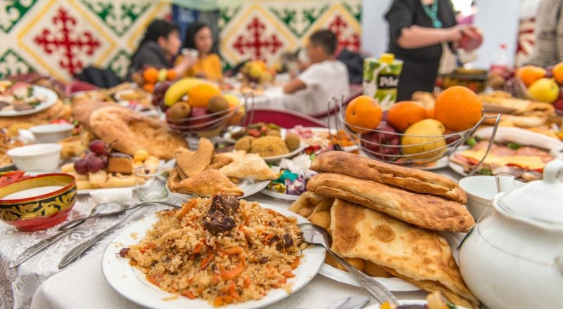 Где будут раздавать бесплатные наурыз-коже и баурсаки в Астане и Алматы