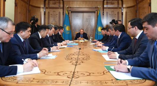 Нурсултан Назарбаев провел первое совещание в Канцелярии Первого президента РК
