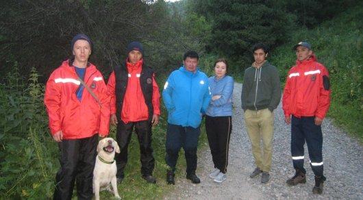 В горах Алматы спасатели нашли заблудившегося мужчину