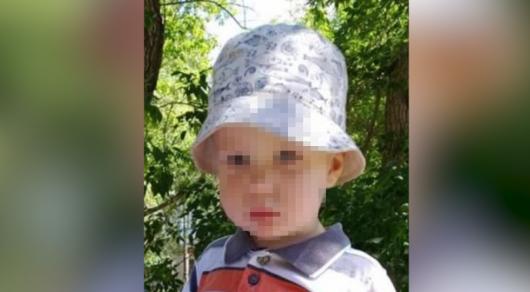 Из-за невнимательности воспитателя двухлетний ребенок оказался один на улице в Караганде
