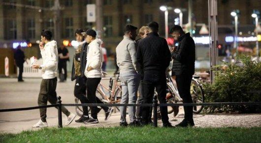 Беженцы превратили парк немецкого города в центр наркоторговли и насилия — © bild.de