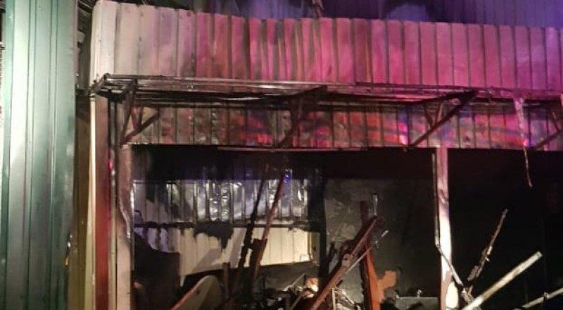 Пожар произошел на барахолке в Алматы