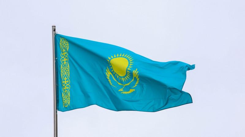 Токаев об использовании флага: Требуется пересмотреть законы
