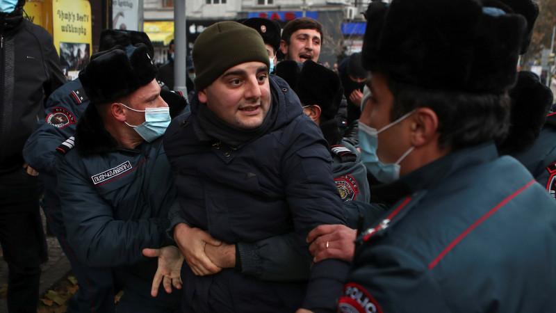 УПашиняна назвали «несерьезными» слухи оботставке премьера Армении