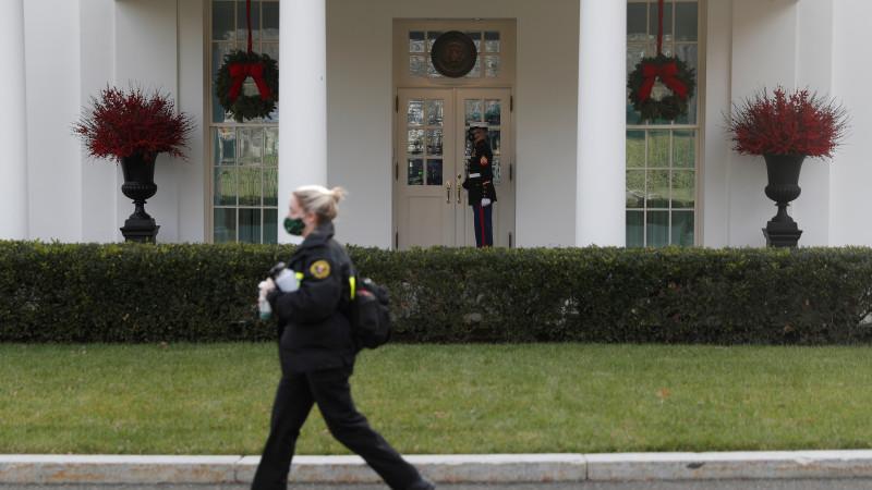 Байден объявил, что часть служащих администрации Трампа препятствует работе его переходной команды