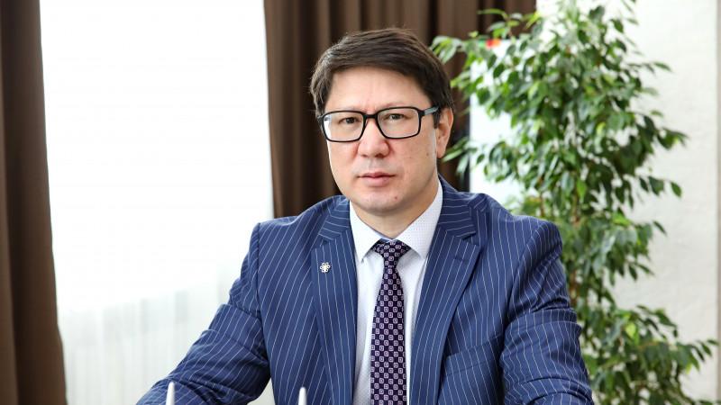 Глава ФСМС Болат Токежанов отказался озвучивать свою зарплату