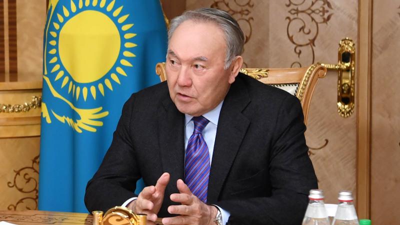 Мы наблюдаем раскол общества и элит - Назарбаев