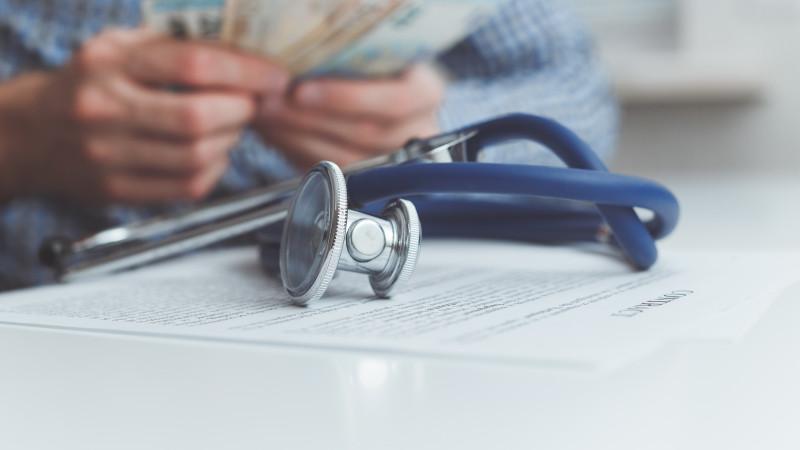 На какие медуслуги можно потратить пенсионные накопления