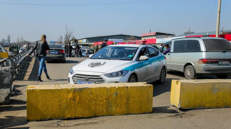 Дневные блокпосты выставили в одном из районов Алматинской области