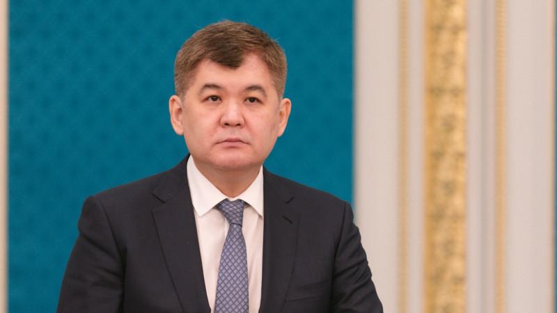 Экс-министру Е.Биртанову продлили домашний арест