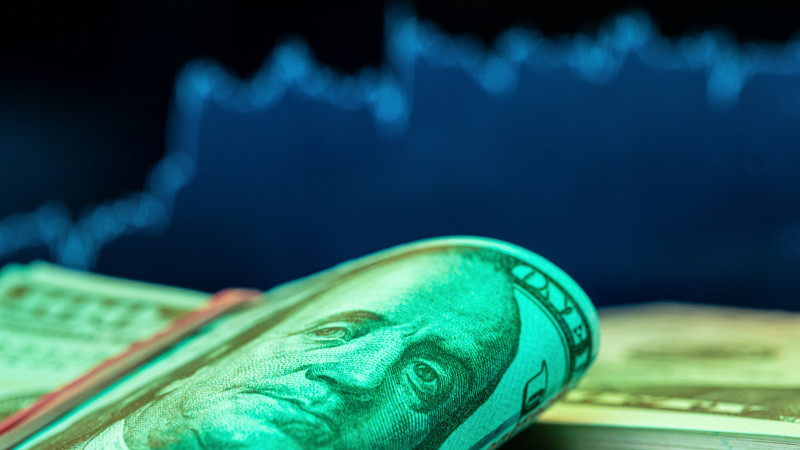 Курс доллара составил 426,5 тенге