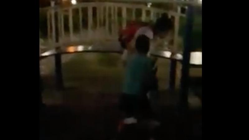 Женщину обвинили в избиении ребенка на детской площадке в Алматы