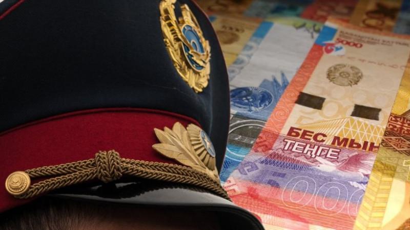 Алматинец вымогал деньги у полицейских, представляясь блогером
