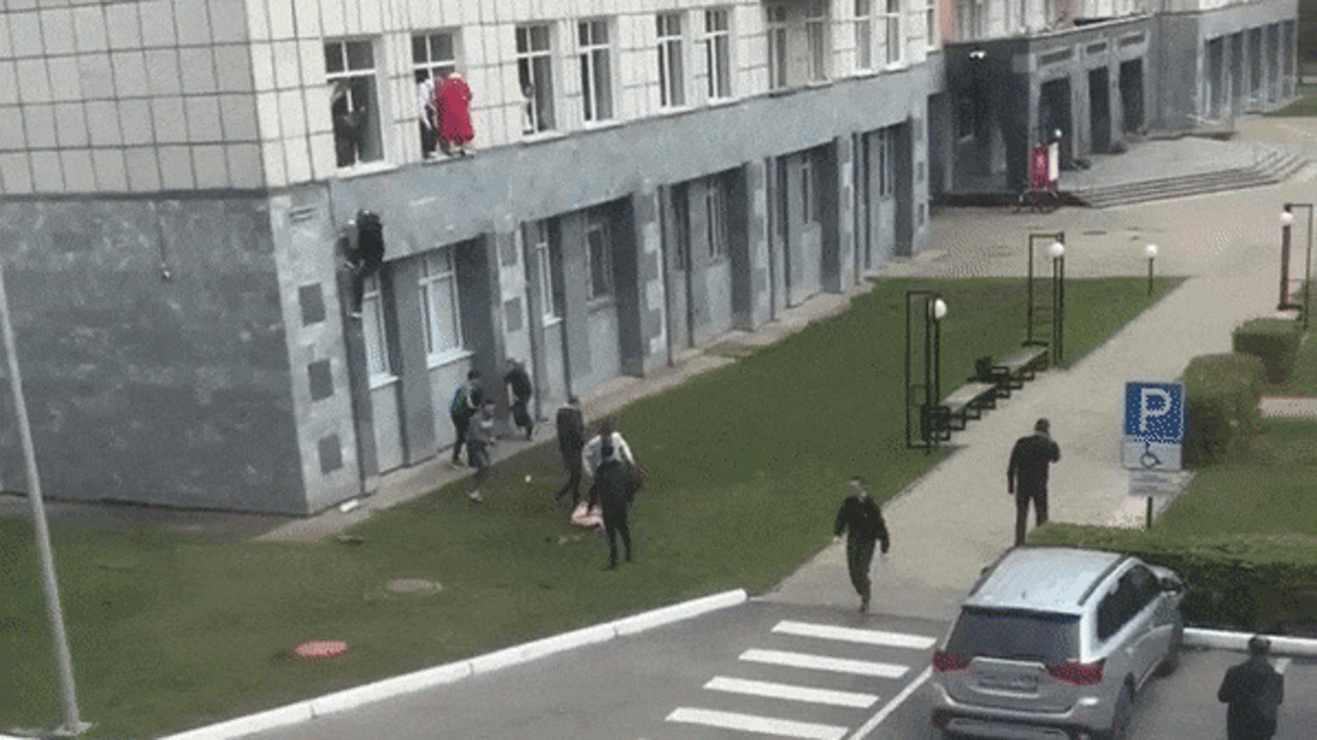 «Смешно наблюдать»: профессор объяснил свой поступок во время стрельбы в Перми