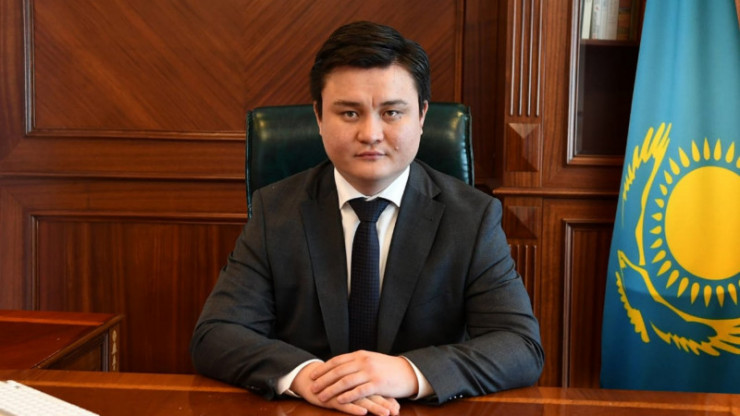 Самый молодой министр: что известно об Асете Иргалиеве