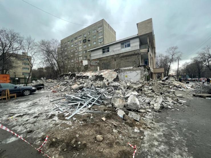 Автомойку снесли в центре Алматы 2