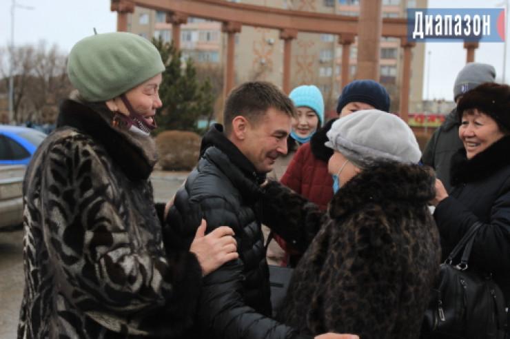 Отец нашел сына спустя 30 лет по обрывку казахстанской газеты 2